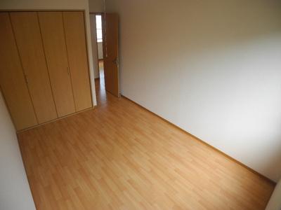 左右反転タイプのお部屋の写真です。