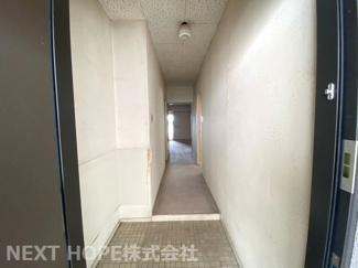 玄関から廊下です♪お好きなリフォームを楽しんで見ませんか?ぜひ現地をご覧ください(^^)お気軽にネクストホープ不動産販売までお問い合わせを!!