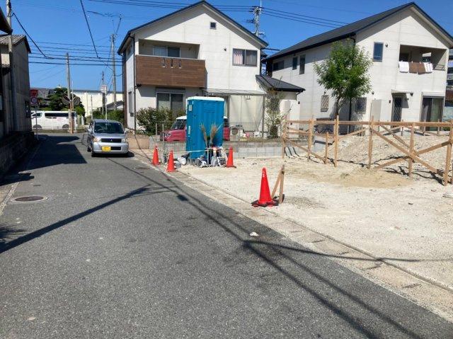 【前面道路含む現地写真】クレイドルガーデン西区拾六町第4 2号棟 4LDKオール電化住宅