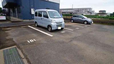 【駐車場】カーサ北本
