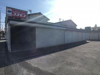 【駐車場】北本町貸倉庫