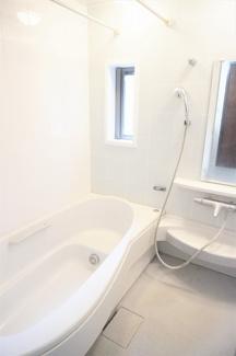 2021年9月8日現在 窓付きのため明るいお風呂です。