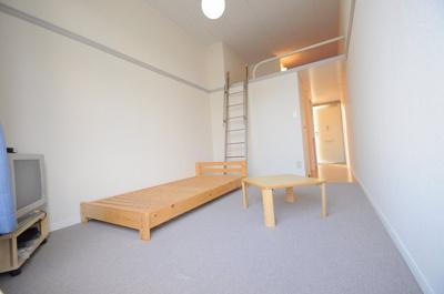【寝室】レオパレスROYALCOURT