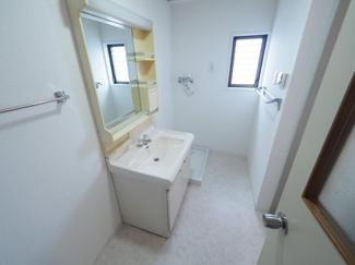 2021年9月28日撮影 清潔感のある洗面台。