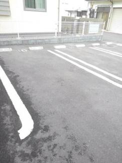 【駐車場】ドゥース レシ B