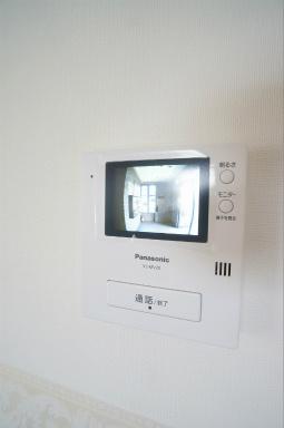 TVモニターホンなので、来客者の顔が確認できるので安心です。