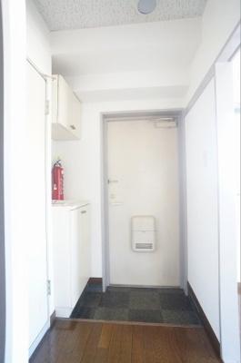 ※同じ間取りの301号室の写真になります。