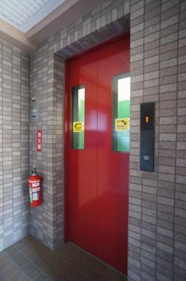 エレベーターあり。