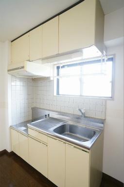 キッチンに窓があるのは嬉しいですよね