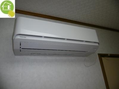 エアコン付いてます♪※写真は同タイプの別のお部屋になります。