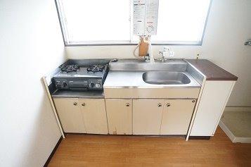 ガスコンロ及び瞬間湯沸器は残置物です