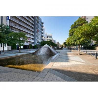 公園「新宿緑道まで533m」