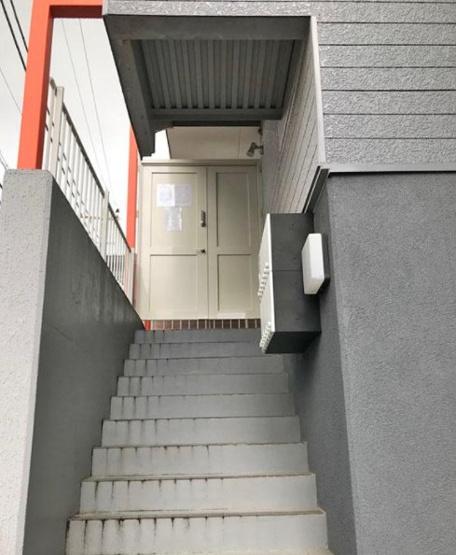 【エントランス】船橋市松が丘1丁目 の一棟売りアパート