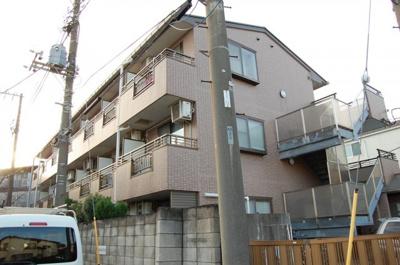京浜急行線「鶴見市場」駅より徒歩10分のマンションです