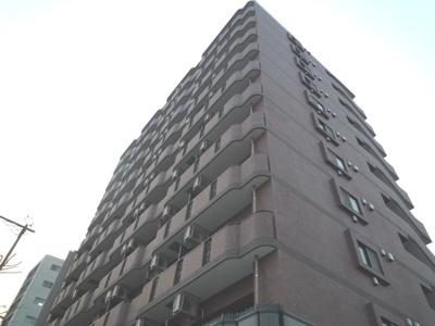 東神奈川駅徒歩5分の「グリフィンマンション」です。