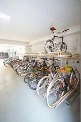 「屋内にある駐輪スペース」