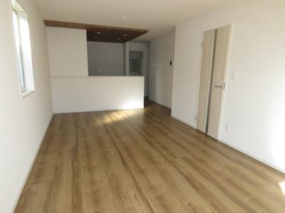 【前面道路含む現地写真】坂戸市元町新築戸建