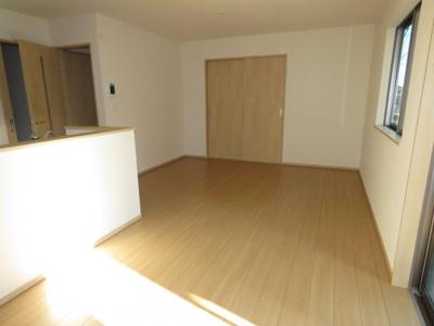 【前面道路含む現地写真】鶴ヶ島市五味ヶ谷新築戸建