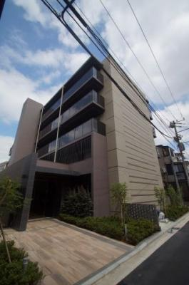 JR「鶴見」駅より徒歩10分の築浅分譲賃貸マンションです。