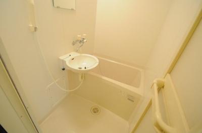 【浴室】レオパレスカトレア