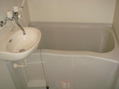 洗面台付お風呂です。
