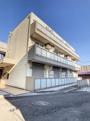 京浜急行線「生麦駅」から徒歩7分です。