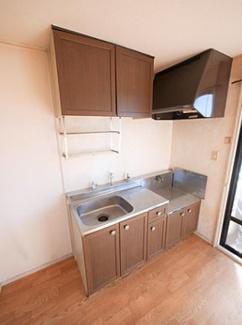 【キッチン】《軽量9.12%》北九州市小倉南区葛原本町6丁目2棟一括売アパート