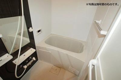 【浴室】ヴィオレッタ