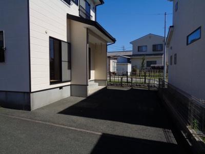 【駐車場】入野町10225-1戸建