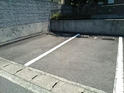 【駐車場】オーデ・アヴニール赤坂1