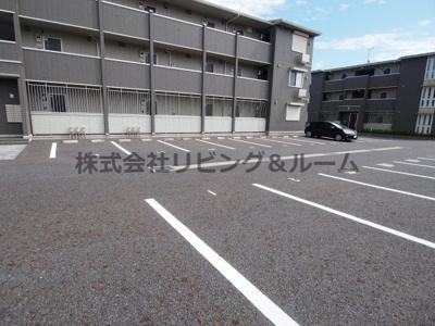 【駐車場】ヒル ヴァレイ A