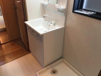 室内に洗濯機置き場があります☆