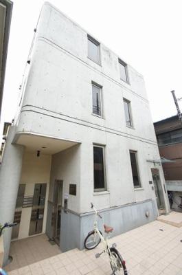 元住吉駅から徒歩9分のマンションです。