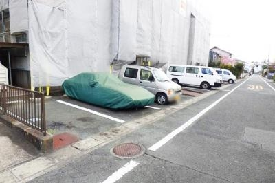 【駐車場】シャトーカネセン