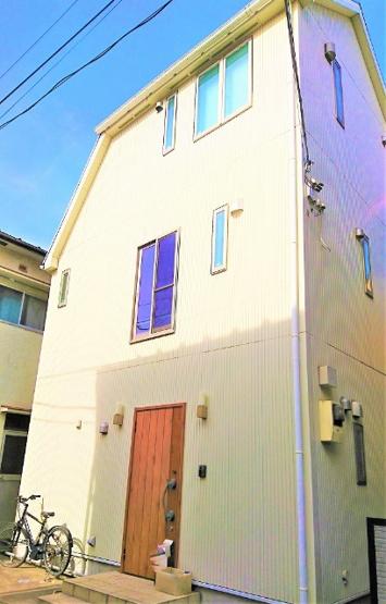 「若松河田」駅徒歩5分の好立地 新宿駅も徒歩圏内 利便性と快適な住空間を兼ね備えた邸宅です