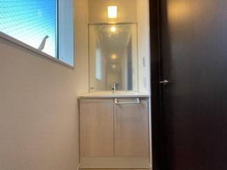 2階ホールにも洗面台を設置。忙しい朝も混雑知らず!