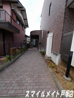 【エントランス】ガーデンコート元町