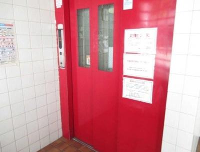 東池袋リリエンハイムのエレベーターです。