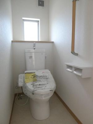 コンパクトで使いやすいシャワートイレです