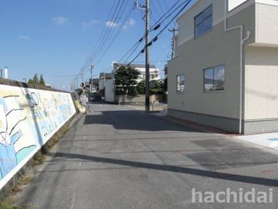 碧南市中松町新築分譲住宅1号棟前面道路写真です。西側公道約6m