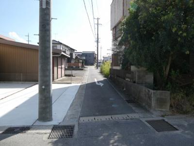 碧南市中松町新築分譲住宅1号棟前面道路写真です。南側公道約3.8m