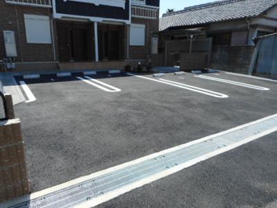 【駐車場】ラ・ヴィーユⅡ