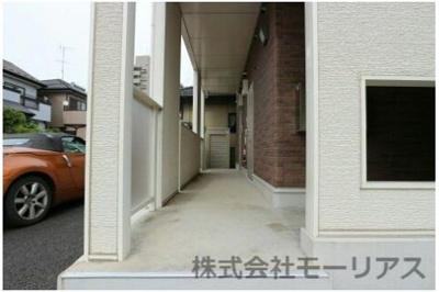 【玄関】ロイヤル ティアラ