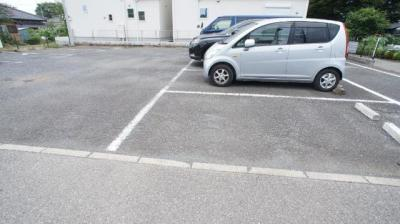 【駐車場】アバンサールⅡ