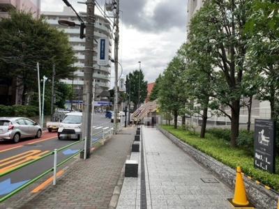 南側道路(2021.9.30撮影)。