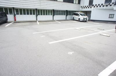 【駐車場】ガレージハウスK