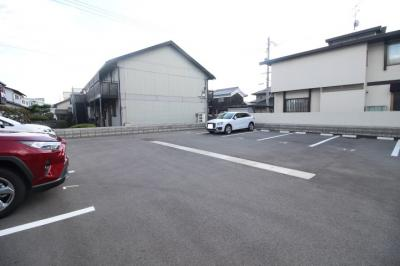 【駐車場】ベルグラース新保壱番館