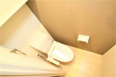 温水洗浄便座付きですよ!