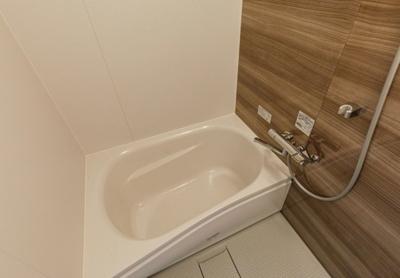 【浴室】築2年!最寄り駅約4分の一棟収益アパート