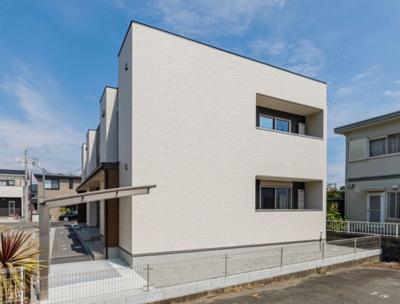 【外観】築2年!最寄り駅約4分の一棟収益アパート